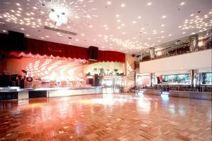 ダンスホール新世紀 : ダンスホールの会場写真