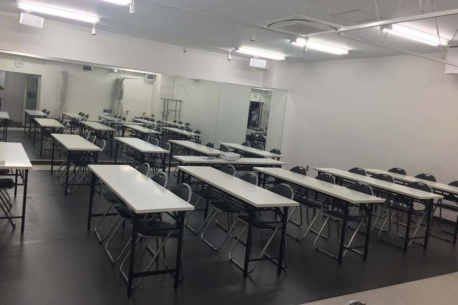 新宿 レンタルスペース『レガージェ』 : 会議室の会場写真