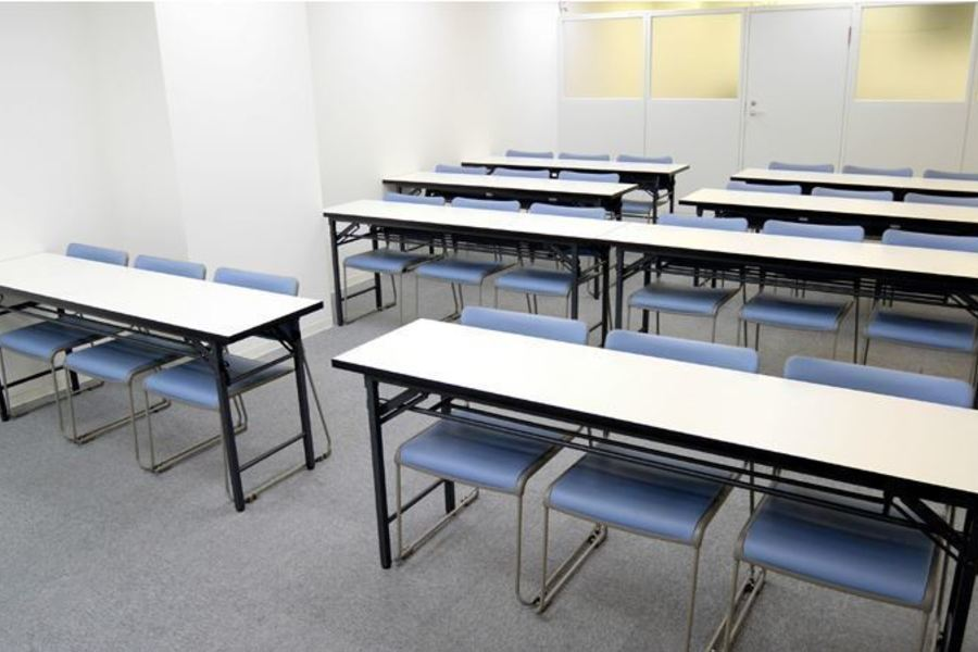 NATULUCK新橋・汐留 : 会議室(24名様)の会場写真